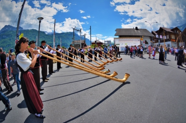 Alphorn Grossformation, Alphorngruppe Magden in Brienz,